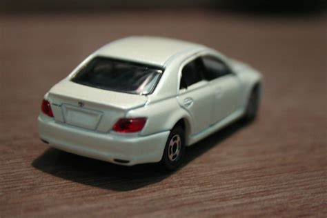 tomica toyota 1 64 die cast toy cars tomica toyota mark x 1st gen
