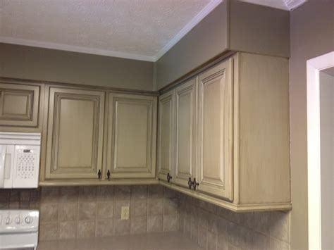 cost to paint kitchen cabinets professionally 100