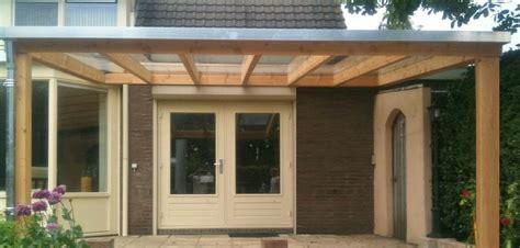 veranda zelfbouw 4 houten veranda aan huis met hellend polycarbonaat of