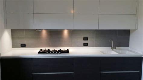 cucina corian emejing piano cucina in corian photos ideas design