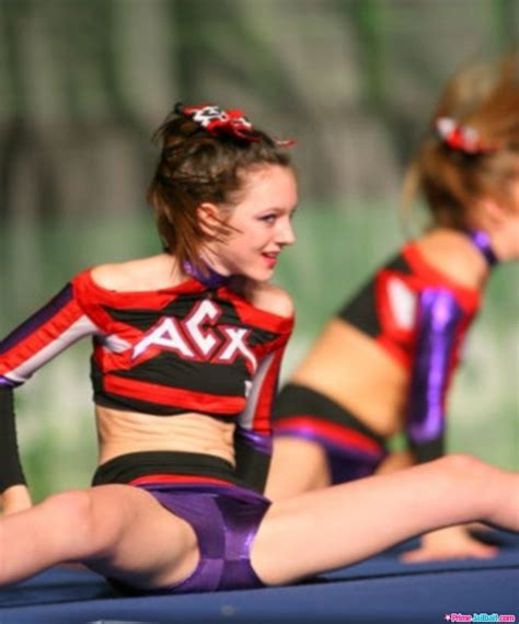 download film one piece ukuran kecil cheerleaders primejailbait spread download foto gambar