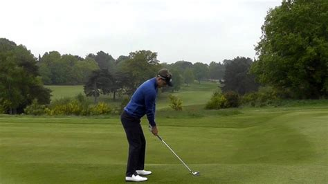 swing side luke donald tips quot how to set move your weight in the