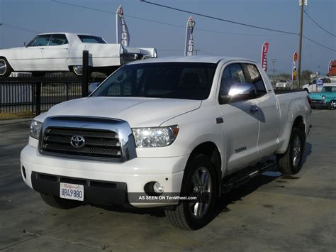 4 Door Toyota Tundra 2008 Toyota Tundra Limited Crew Cab 4 Door 5 7l Back