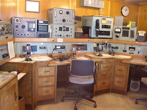 the radio room file radio room jpg wikimedia commons