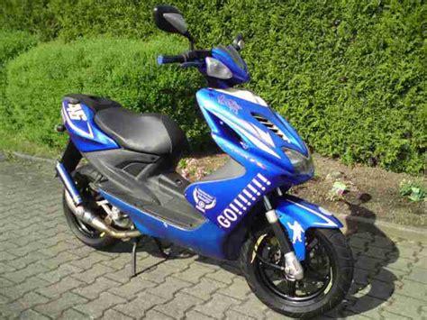 Yamaha Aerox Rossi Edition Aufkleber by Yamaha Aerox Race Replica Yq50 Valentino Rossi Bestes