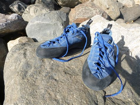 best rock climbing shoe what are the best rock climbing shoes basicrockclimbing