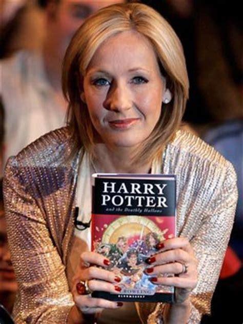 jk rowling biographie francais biographie de j k rowling la fondatrice de harry potter