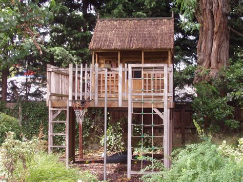 free tree house designs free standing tree housenhow to build pictures tree house