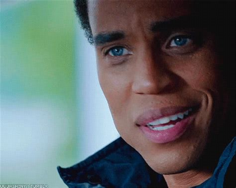 michael ealy eye color michael ealy does blue really make him gorgeous