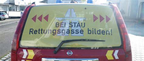 Feuerwehr Aufkleber Rettungsgasse by Rettungsgasse Bilden Die Rettungsgasse Kann Leben Retten