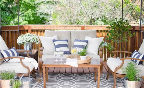 creating an outdoor living space tips for creating a cozy outdoor living space video a
