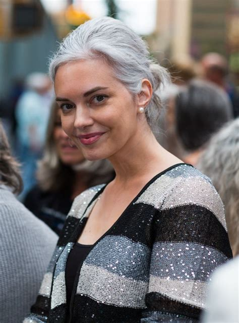 gray hair in your 30s silver haired beauties http www silverhairedbeauties com