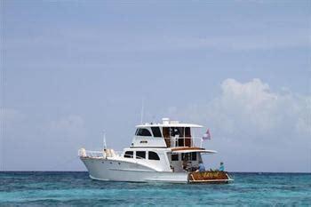roatan boat rental roatan boat charters how to rent a boat in roatan we