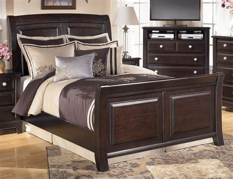 ashley king size bed ashley ridgley sleigh bed b520 king size beds