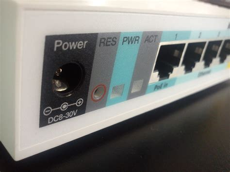 Router Mikrotik Rb951ui 2hnd review keunggulan router mikrotik rb951ui 2hnd emerer