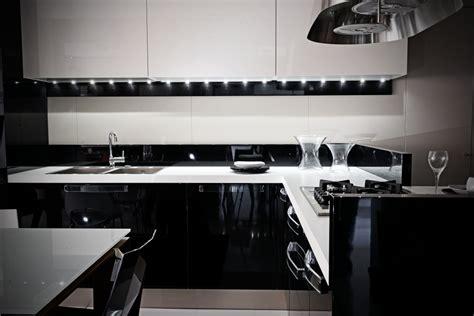 cucine nere lucide cucine moderne nere lucide trova le migliori idee per