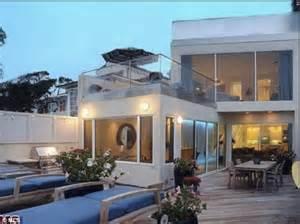 Dc Backyard Bbq Jim Carrey Sells 13 4 Million Malibu Mansion Drastically
