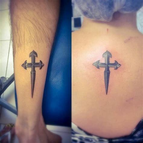 imagenes de tatuajes de una cruz en la muñeca cruz de santiago 161 significado origen y toda la informaci 243 n