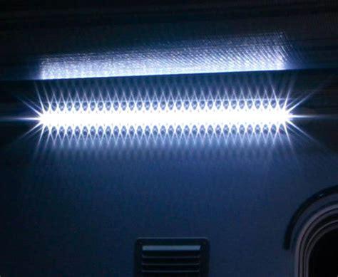 eclairage 31 leds exterieur sous auvent 12v fiamma