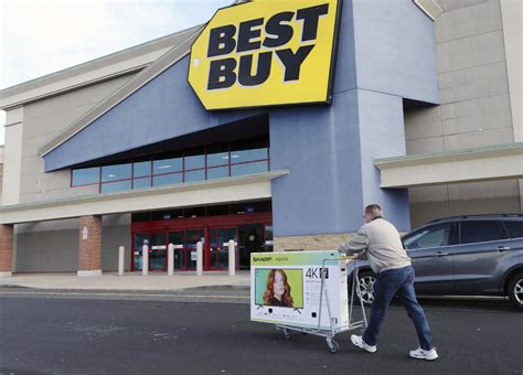 best buy quarterly sales best buy tops fourth quarter expectations amid surge in