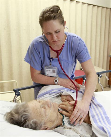 emergency room nurses welcome to the er nurses discuss in the emergency room special section wcfcourier