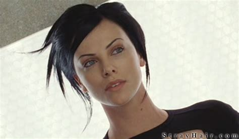 edgy haircuts charlize theron in aeon flux charlize theron aeon flux movie hairstyle strayhair