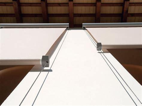 tende da sole a caduta verticale tende da sole a caduta con guide laterali