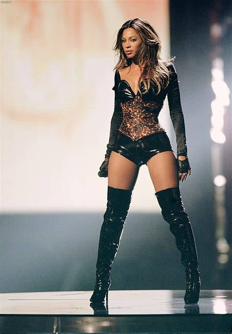 how much does beyonce weigh beyonce bra size height weight herinterest com