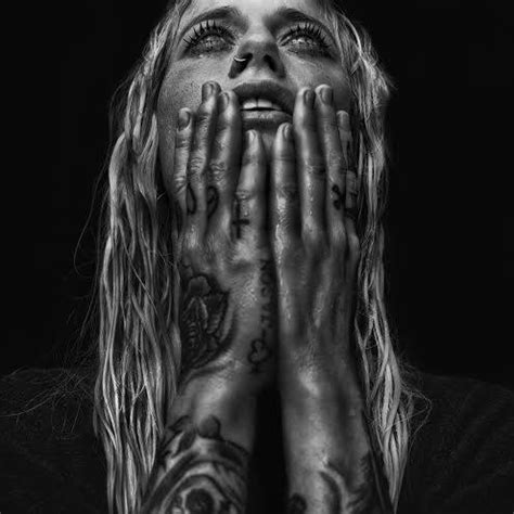 video gin wigmore written in the water live however