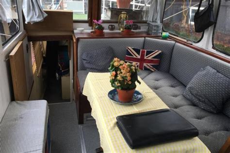 houseboats to rent kent knight rd rochester kent me2 2 bedroom houseboat for