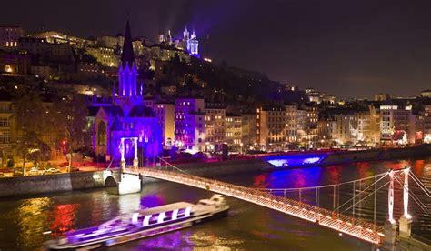 illuminazione urbana lione e intelligente il futuro delle citt 224 luce e design