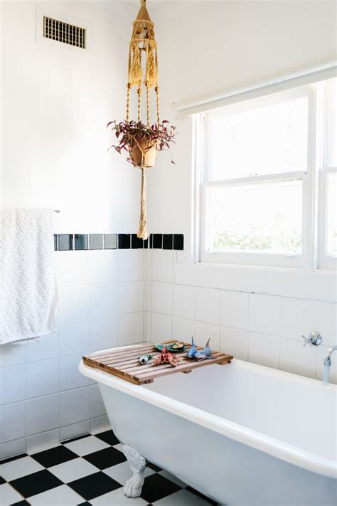 design sponge bathrooms laid back family life in the australian countryside