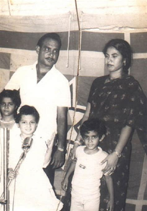 biography of mother and father simran family childhood photos actress celebrity