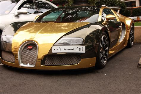 bugatti gold bugatti veyron in gold hd car wallpapers bugatti gold