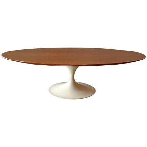 Saarinen Coffee Table Oval Eero Saarinen Coffee Table For Knoll 1950s White Base For Sale At 1stdibs