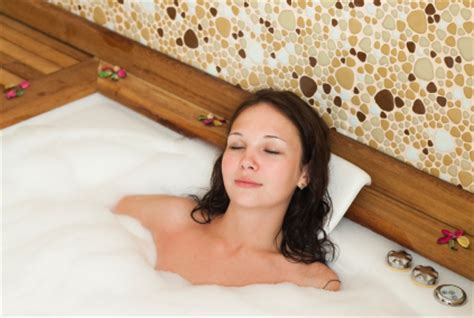 Detox Bath To Remove Toxins by Lina In Abu Dhabi 971565983339