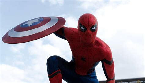 civil war spiderman 411mania spider man homecoming star tom holland visits children s hospital in his costume