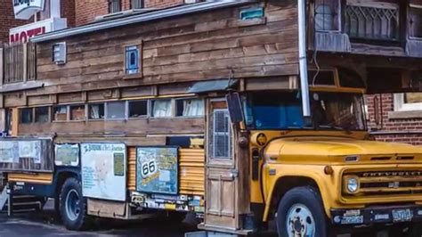 school bus house awesome school bus house we ran across in pontiac il youtube