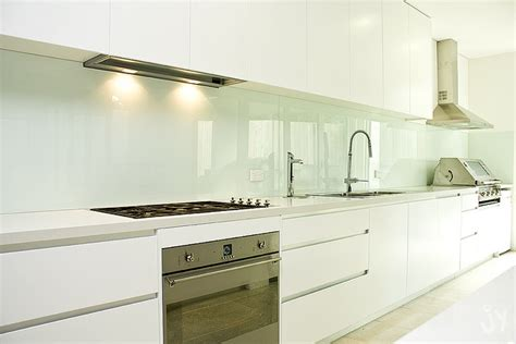 Kitchens Renovations Ideas by Mit Einem Fliesenspiegel Aus Glas Moderne Akzente Setzen