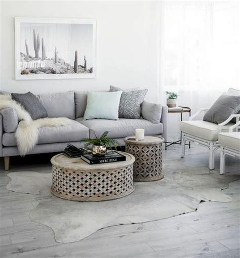 canapé gris et blanc un salon en gris et blanc c est chic voil 224 82 photos qui