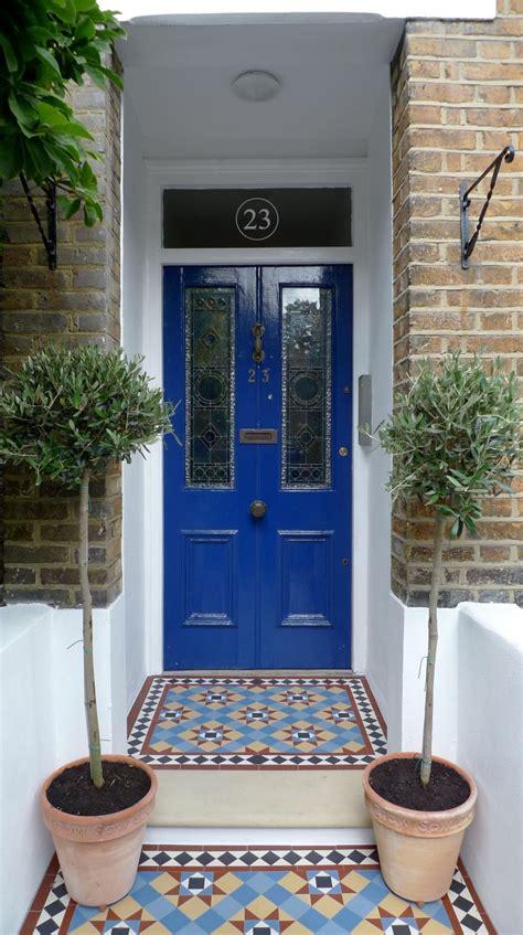 sort  double piece door  numbers  fanlight