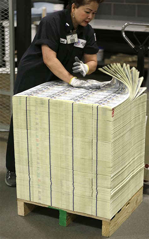 mayweather money stack new 100 bills roll off the printer the baylor lariat