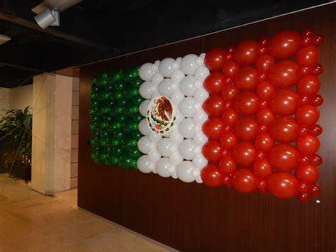ideas para hacer banderas q represente a la familia bandera mexicana con globos banderas en globos pinterest