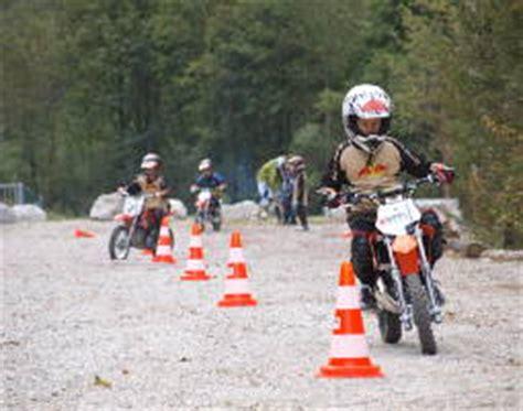Kinder Motorrad Fahren Nrw by Racer Kurs F 252 R Kinder In Stegenwald Als Geschenkidee Mydays
