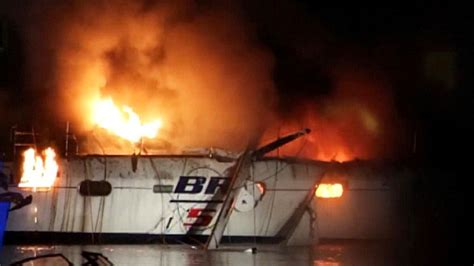 falmouth fire boat falmouth boat fire leaves person with serious burns 171 cbs