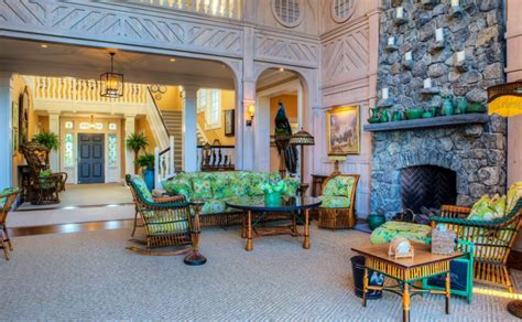 The Bird House ? A $12.5 Million Shingle Mansion In