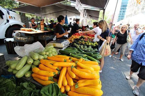 new york city s 10 best food and farmers markets