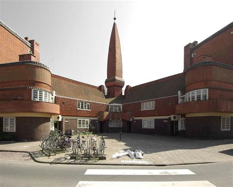 het schip in amsterdam huizenblok het schip in amsterdam monument
