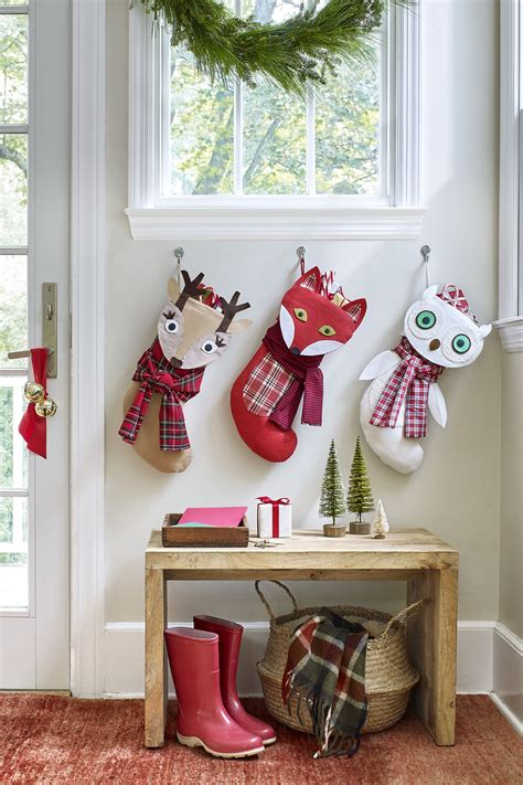 twenty five days of christmas minu stocking on a rope from crackabsral 20 diy how to make craft ideas s day