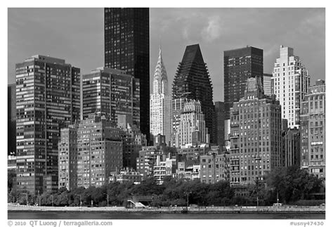 black and white picture photo manhattan skyline from